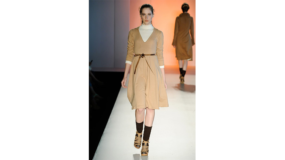 FASHION RIO, WINTER 2011 RTW - NATURAL COTTON COLOR